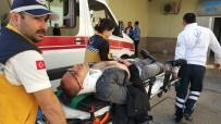 DERECIK - Kaskı Kayan Genç Motosikletten Düşüp Hastanelik Oldu