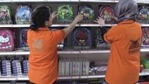 MUSTAFA YAMAN - Lojistik Yardım Merkezi İhtiyaç Sahiplerinin Yüzünü Güldürüyor