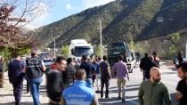 ESKİBAĞLAR MAHALLESİ - Polisten Kaçan Ehliyetsiz Sürücü Kaza Yaptı Açıklaması 2'Si Polis 5 Yaralı
