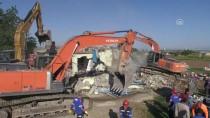 MAKAM ODASI - Samsat'taki Depremde 13 Hafif Yaralı Var