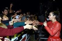 ÇOCUK FESTİVALİ - Tuğba Yurt Aliağalılar İçin Söyledi
