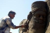 EYFEL KULESI - Efsaneler Antalya'da Kumda Hayat Buldu