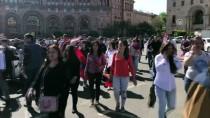 SERJ SARKISYAN - Ermeniler, Başbakan Sarkisyan'ın İstifasından Sonra Tekrar Sokaklarda