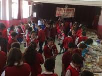 Kastamonu'da Öğrenciler, Biriktirdikleri Harçlıklarla Kitap Satın Aldı