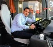 RAMAZAN CEYLAN - Protokol Eşlerini Taşırken Kaza Yapan Minibüsün Şoförü 8 Gün Sonra Hayatını Kaybetti