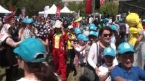 ÇOCUK BAYRAMI - Sığınmacı Ve Göçmen Çocuklar Festivalde Eğlendi
