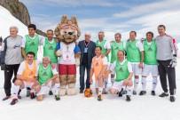 HAZIRLIK MAÇI - Sovyetlerin Efsaneleri Kar Üstünde Futbol Oynadı