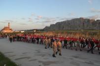SABAH NAMAZı - Van'da 57. Alay Ve Çanakkale Şehitlerine Vefa Yürüyüşü Yapıldı