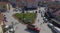 KIZILAY MEYDANI - Akyazı'da Kavşaklar Yenileniyor