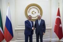 RUSYA - Başbakan Yıldırım, Tataristan Cumhurbaşkanı Rüstem Minnihanov İle Bir Araya Geldi