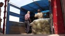İÇ SAVAŞ - Hatay Esnafından Suriyelilere Yardım