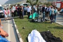 BELEDİYE İŞÇİSİ - Katliam Gibi Kaza Açıklaması 3 Ölü