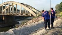 SAKARYA NEHRI - Otomobilini Sakarya Nehri'ne Attığı İddiası