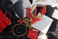 BURMA - Telefon Dolandırıcısı Altınlarla Birlikte Suçüstü Yakalandı
