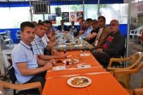 MOTORLU TAŞIT - Başkan Tenur, Şehir İçi Minibüs Şoförleri İle Bir Araya Geldi