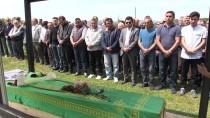 AHMET ARıK - Trafik Kazasında Ölen Öğrenci Toprağa Verildi