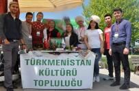 MEHMET NACAR - Uşak Üniversitesi'nde Öğrenci Toplulukları Stant Çalışmalarına Devam Ediyor