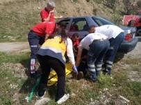 Adana'da Otomobiller Kafa Kafaya Çarpıştı Açıklaması 1 Yaralı