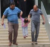 Anne 5 Yaşındaki Engelli Kızını Bakıcıya Bırakıp Bir Daha Sormadı, Polis Sahip Çıktı