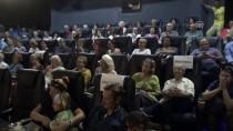 MÜBADELE - Bodrum'da 'İki Yaka Yarım Aşk' Filmin Gösterimi