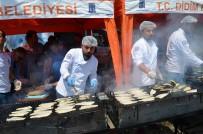 MEHMET TÜRKÖZ - Didim'de Balık Ekmek Şenliğine Büyük İlgi