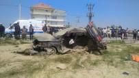 MEHMET TÜRK - Hafif Ticari Araç İle Otomobil Çarpıştı Açıklaması 4 Ölü, 2 Yaralı