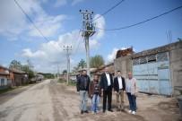 Köylerde Elektrik Hatları Yenileniyor