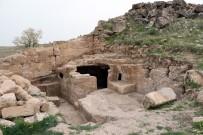 (Özel) Diyarbakır'daki Gizemli Tapınakta Yeni Koridorlar Ortaya Çıkarıldı
