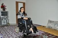 HAYAT HİKAYESİ - Yürüyerek Girdiği Ameliyattan Felçli Çıktı, Lösemili Annesiyle Yardım Bekliyor