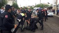 SAKARYA CADDESİ - Yol Verme Kavgasında Ortalık Karıştı Açıklaması 10 Gözaltı