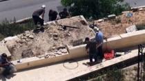 TEVRAT - İsrail Kudüs'teki Er-Rahme Mezarlığı'na Baskın Düzenledi