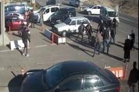 ARAZİ ANLAŞMAZLIĞI - Jandarma Karakolu Önündeki Sopalı Kavganın Görüntüleri Ortaya Çıktı
