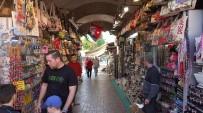 MUSTAFA ÖZER - Kuşadası Esnafı Turizm Sezonundan Umutlu