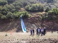 HALITPAŞA - Manisa'da Kaybolan Paraşütçü Ölü Bulundu