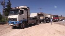 CİLVEGÖZÜ SINIR KAPISI - Beton Blokları Taşıyan 30 Tır Cilvegözü'nden Çıkış Yaptı