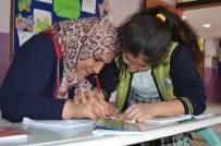 SUAT SEYITOĞLU - Çocuklarıyla Beraber Okumaya Öğreniyorlar