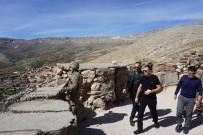 ÜNAL KOÇ - Gercüş Kaymakamı Asker Ve Korucuları Mevzide Ziyaret Etti