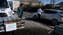 NEVRUZ BAYRAMı - İranlı Turistlere Tatil Dönüşü 'Kumanya' Jesti