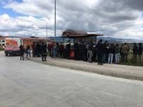 KASTAMONU ÜNIVERSITESI - Kastamonu Belediyesi, Üniversite Öğrencilerine Pilav Dağıttı