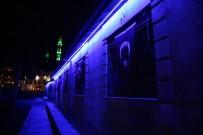 Mardin'de Otizme Karşı Mavi Işık Yak Kampanyasına Destek