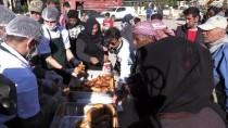 Mehmetçik Ekmeğini Afrinlilerle Paylaşıyor