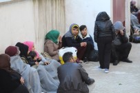 EGE DENIZI - Mülteciler Sahil Güvenlikten Kaçamadı