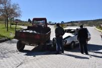 OTOBÜS TERMİNALİ - Otomobil Traktöre Çarptı Açıklaması 2 Yaralı