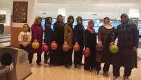 BOWLING - Pursaklarlı Kadınlar Bowlingle Stres Attı