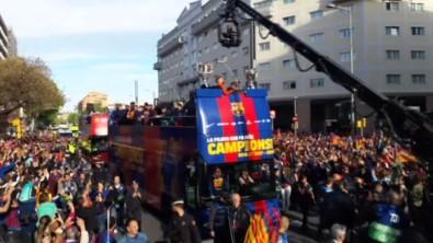 Barcelona şampiyonluğu kutladı