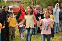 Çocuklar Aileleriyle Birlikte Piknikte Buluştu