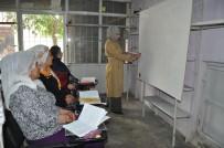 BATMAN BELEDIYESI - Kadınlar Talep Etti, Belediye Kurs Açtı