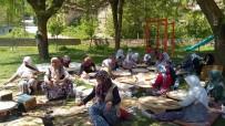 GÖZLEME - Köylü Kadınlardan Gözleme Hayrı Ve Yağmur Duası