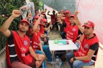 AHLAKSIZLIK - Manisa'da Bir Fabrikaya Sendika Girmesini Sağlayan İşçiler 'İşten Çıkarıldı' İddiası