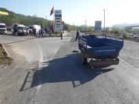 Ordu'da Patpat İle Minibüs Çarpıştı Açıklaması 4 Yaralı